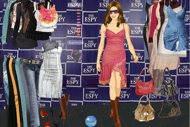 Carmen Electra Dress Up Game